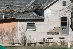 Lampasas 'dilapidated' homes