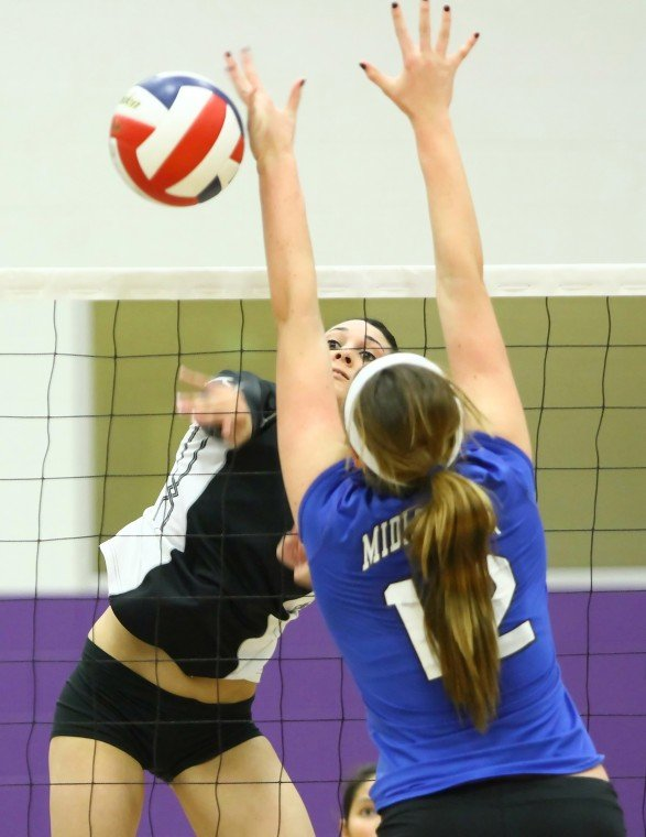 Heights Falls to Midlothian 3-1