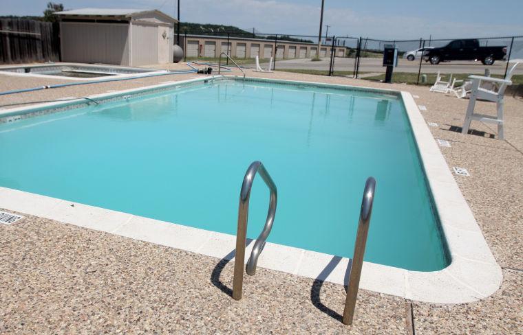 Cove pool closed