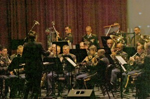 1st Cavalry Band plays holiday concert
