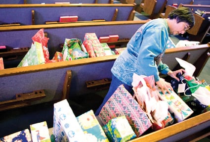 Program shares God's love, gifts with children of prison inmates