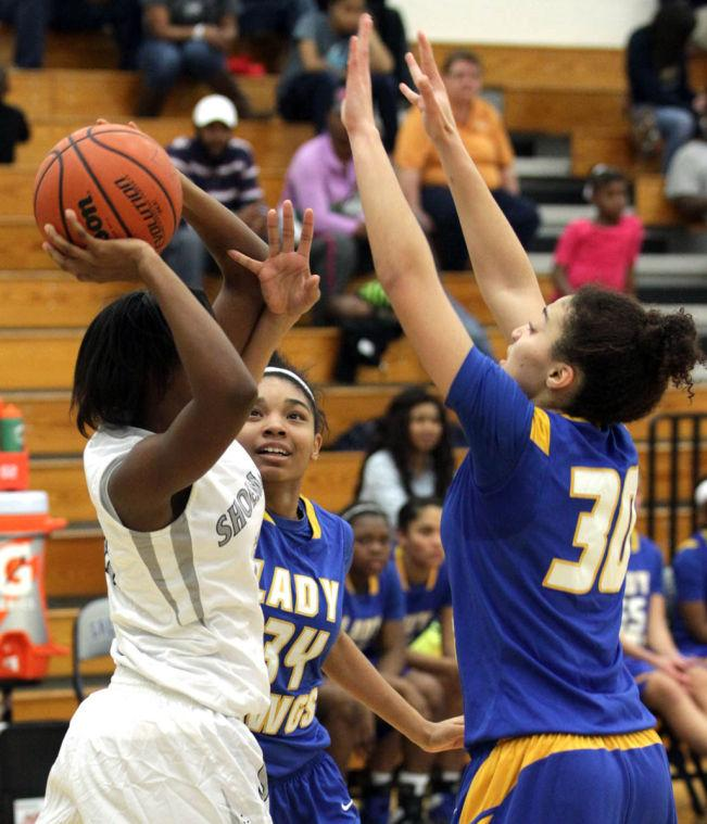 Basketball Girls Shoemaker  V Copperas Cove064.JPG