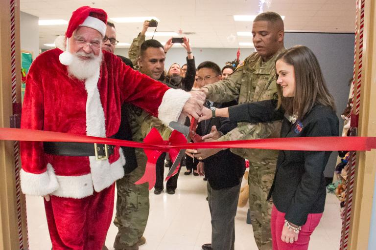 Santa's Workshop brings Christmas to Fort Hood families