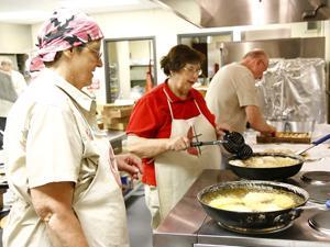 Church kicks off fried-pie fundraiser