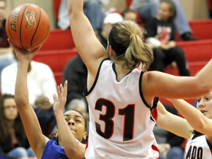 Host Lady Eagles fall in final of Salado tournament