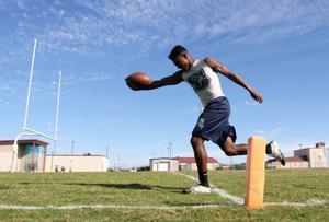 Shoemaker junior cornerback Dwayne Williams