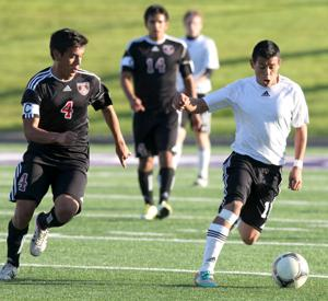 Hernandez is 2014 KDH All-Area Boys Soccer Team Newcomer of the Year