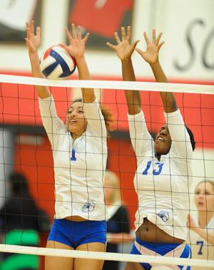Harker Heights v Cove Copperas volleyball