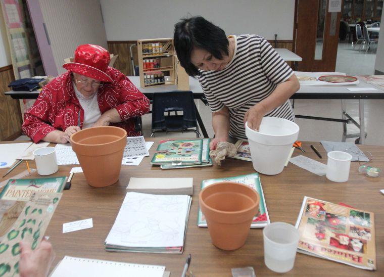 Communities - Decorative/Folk Art Beginner Painting Class