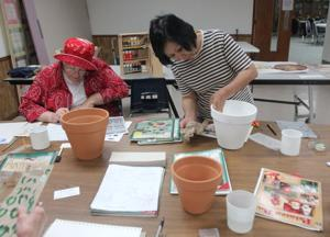 Communities - Decorative/Folk Art Beginner Painting Class