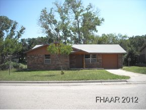 -Stop Looking. Great Starter home. Tile in the Livingroom, Kitchen