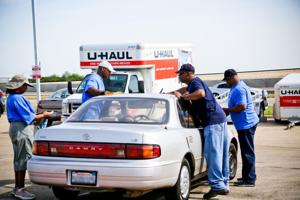 Car wash fundraiser helps support picnic