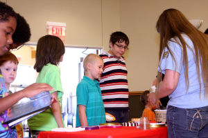 Heights library hosts ice cream social