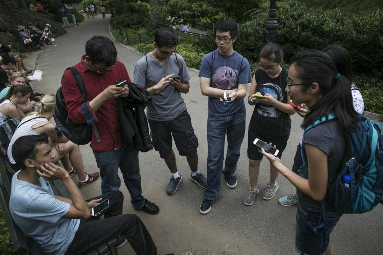 Pokémon Go craze sweeps nation