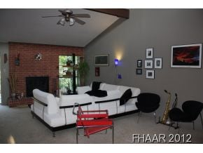 This wonderful 3 bedroom , 2 bath, home features a