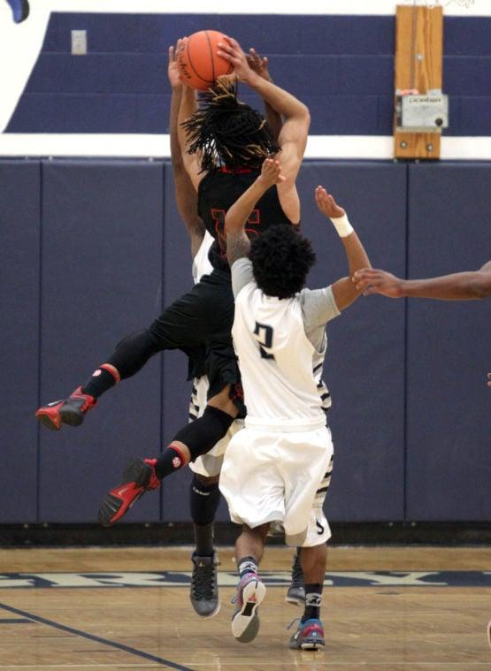 Basketball Boys Shoemaker  V Harker Heights021.JPG