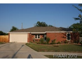 Well maintained 5 bedroom home close to Fort Hood, schools
