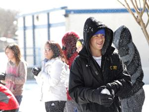 Freezing temps causes schools, businesses to close