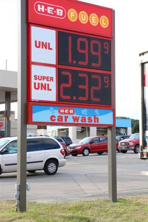 <p>Gas prices drop below $2 at the Harker Heights H-E-B on Saturday, Dec. 13, 2014</p>
