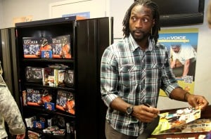 Chicago Bears DB Charles Tillman at Fort Hood