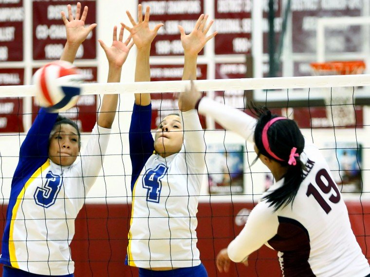 Cove Sweeps Killeen in 8-5A Contest