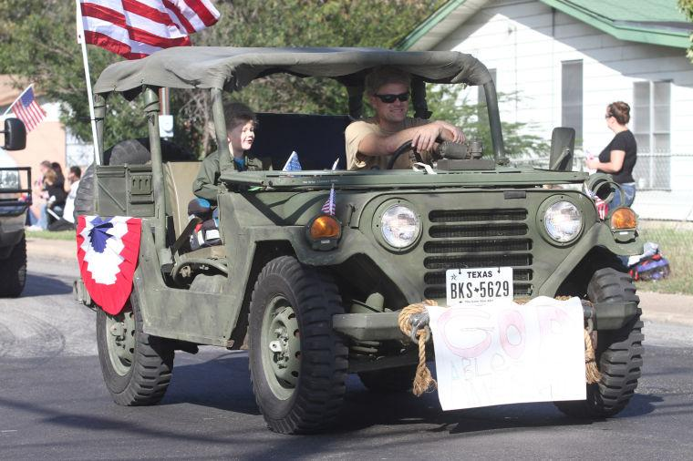 Cove Veterans Day Parade 19.jpg