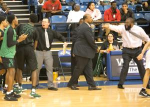 BOYS PLAYOFFS: Jones, Armour help Ellison end DeSoto's reign as 6A champ