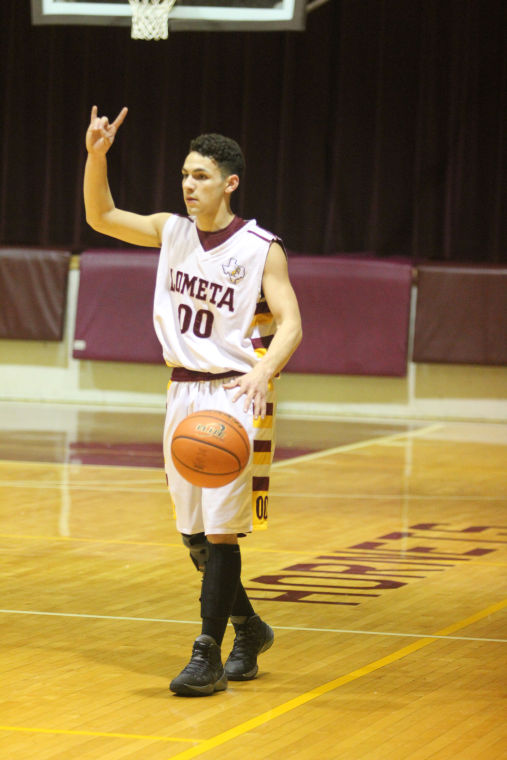 LometaEvantBOYSBasketball15.jpg