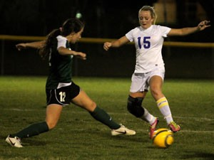 Lady Dawgs tie Ellison in district matchup