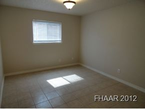 This is a beautifully remodeled 1354 sqft home!! It has