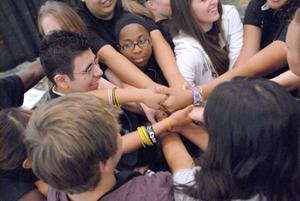 Hundreds of students motivated to work together