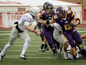 UMHB Football Notebook: Cru, Wesley meet again, but this time in Belton
