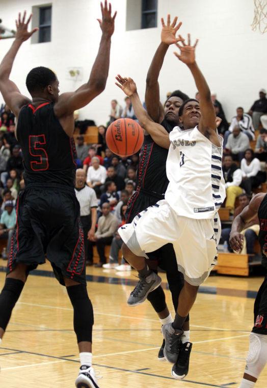 Basketball Boys Shoemaker  V Harker Heights059.JPG