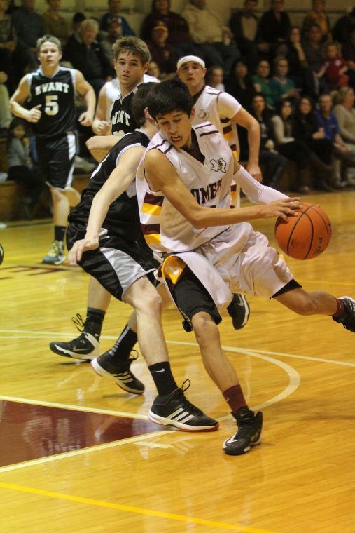 LometaEvantBOYSBasketball46.jpg