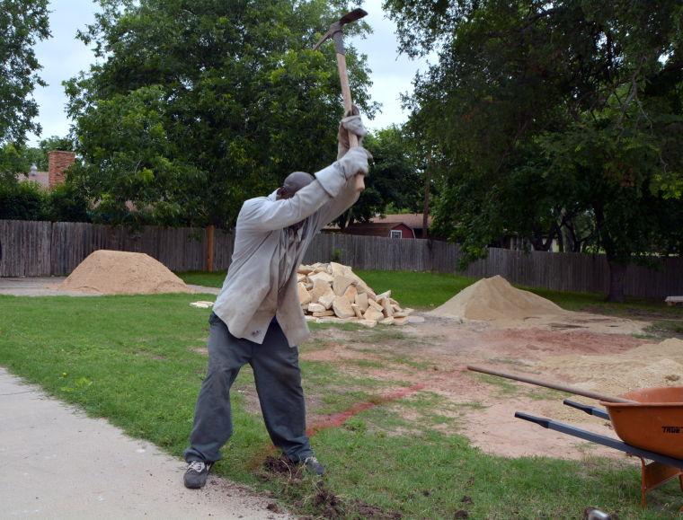Outdoor landscaping 2 0699.JPG