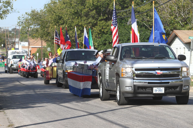 Cove Veterans Day Parade 25.jpg