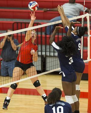 Belton vs. Shoemaker volleyball