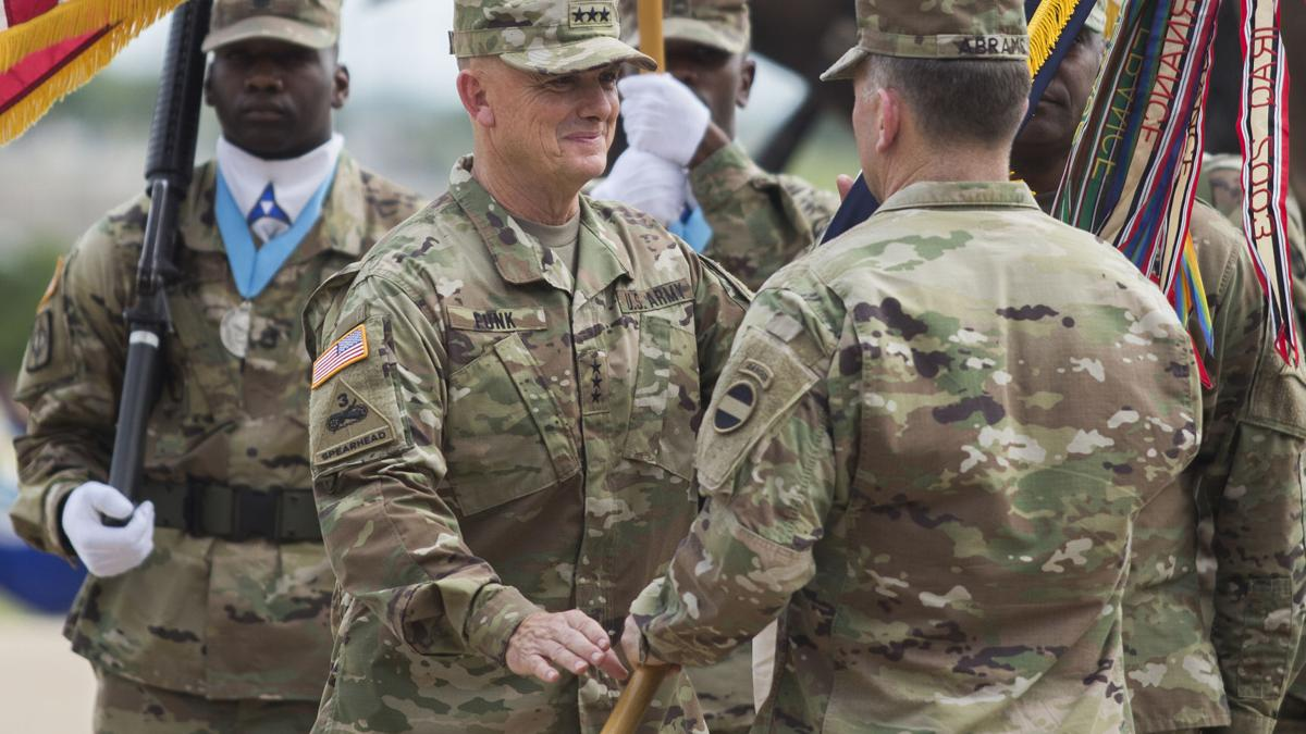 Fort Hood, III Corps welcome new post general