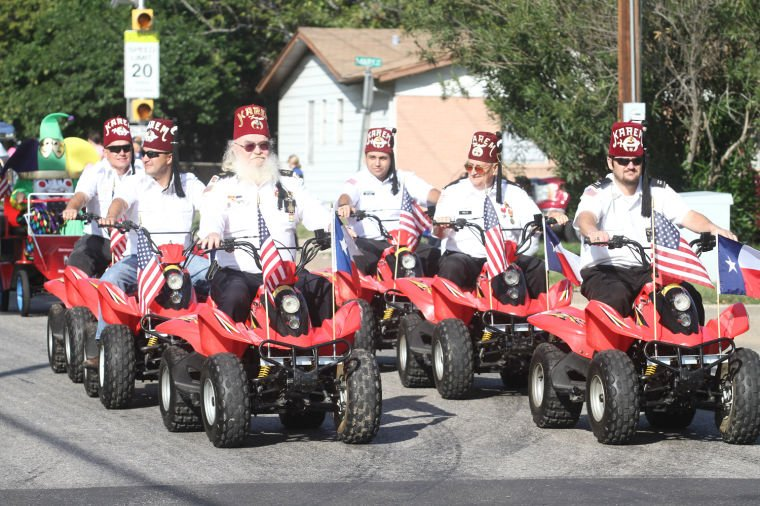 Cove Veterans Day Parade 28.jpg