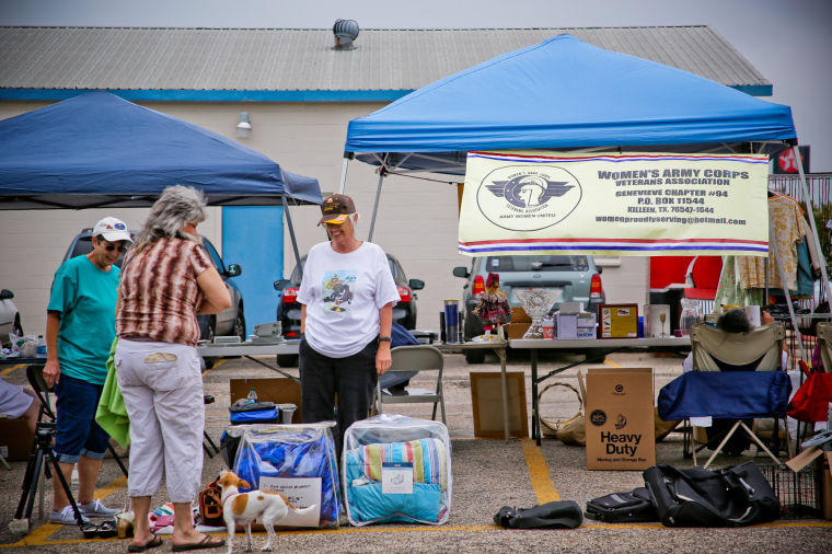 Auxiliary's Market Day  draws crowd in Heights