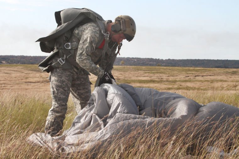 2-38 Cavalry Regiment Parachute Training