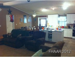 This 3 bed 2 bath modular home in Burnet features