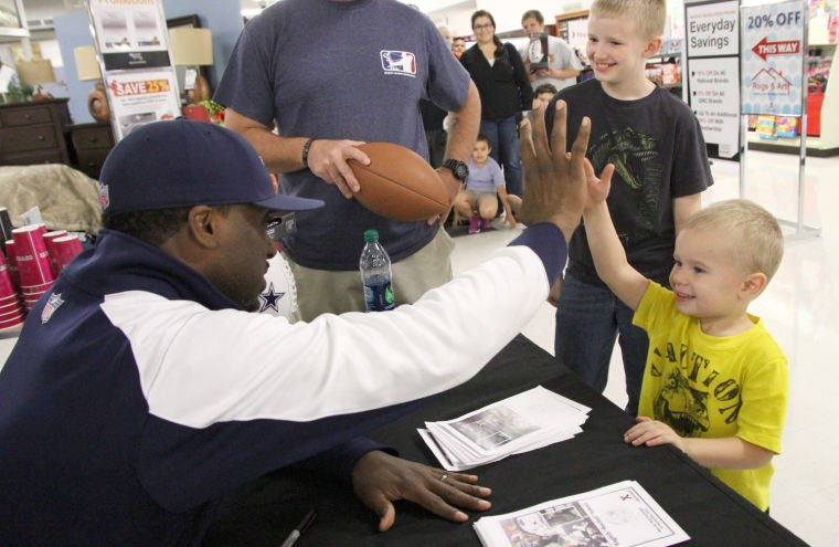 "Raghib "" Rocket"" Ismail Signs Autographs"