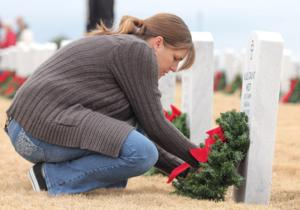Veterans cemetery wreath-laying 2013