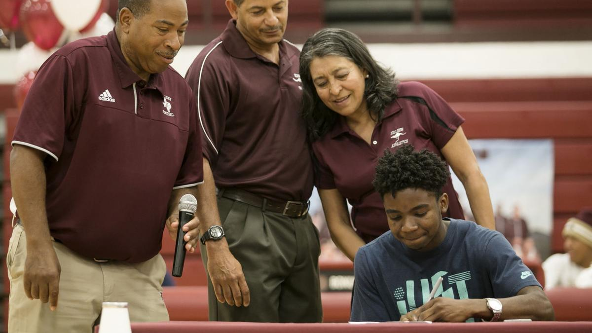 Killeen standouts ink letters of intent