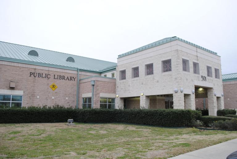 Cove council OKs library request to apply for grants