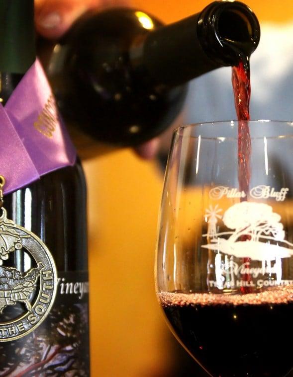 Pillar Bluff Winery 03.jpg