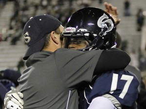 5A-4A Blitz Rewind: Big plays lead to big win, and end of Wolves' streak
