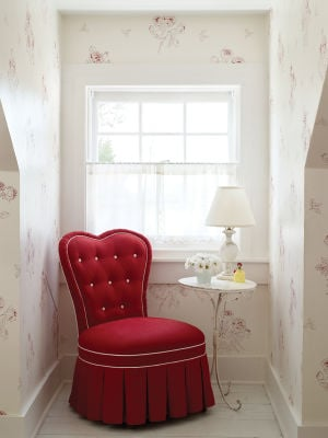 DESIGN-WALLPAPER: Designer Elizabeth Mayhew used Albert Hadley's Reddish Rose wallpaper in a nook in a previous home. - Photo Courtesy of Anne Schlecter