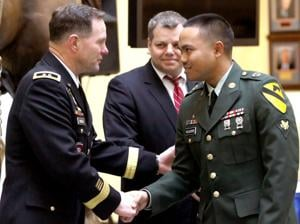 10 soldiers become American citizens